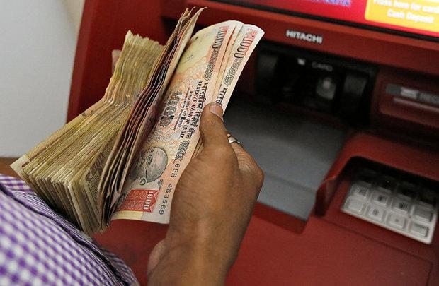 نرخ برابری روپیه هند در برابر دلار، از 70 هم عبور کرد