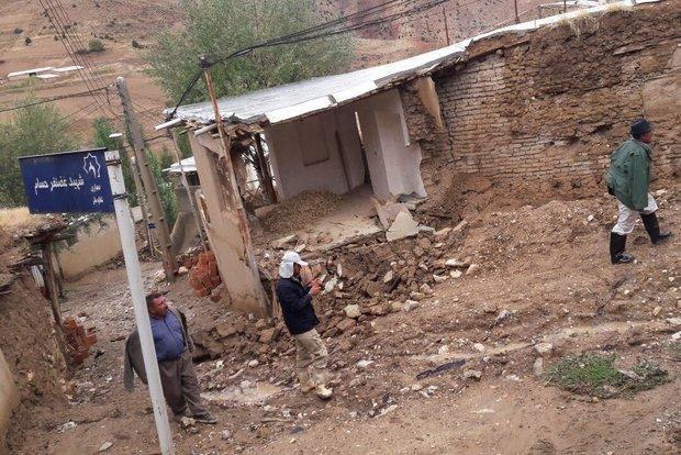 بارش باران به چند منزل مسکونی در شاهکوه گرگان خسارت زد