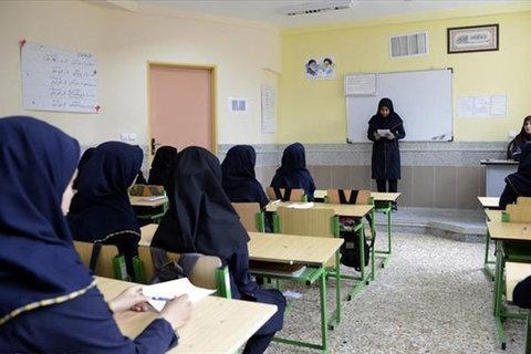 تاخیر در شروع به کار مدارس منطقه سربند شهرستان شازند