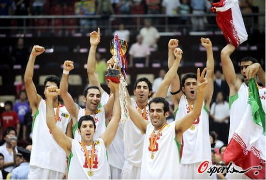 قهرمانی تیم ایرانی ها در لیگ چین، حسن زاده برترین بازیکن شد، اسماعیل پور آقای گل