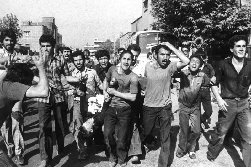 گوشه ای از کشتار مردم توسط رژیم پهلوی!