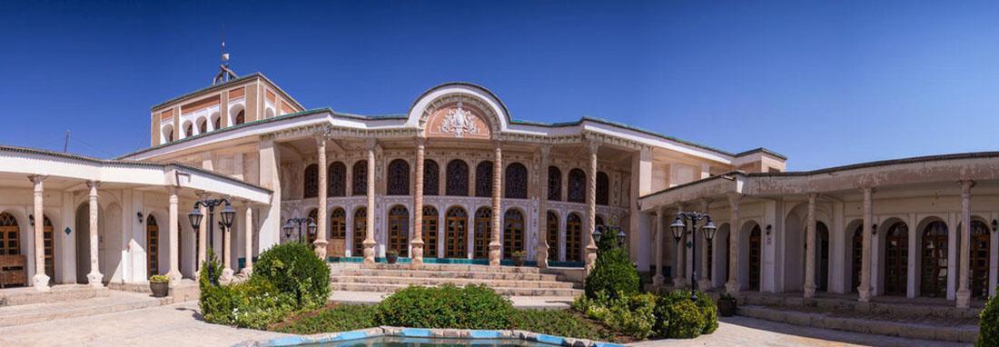 خانه ای که برای پذیرایی حاکم اصفهان در قاجار ساخته شد ، شباهت زیباترین بنای تاریخی خمینی شهر به باغ ارم شیراز