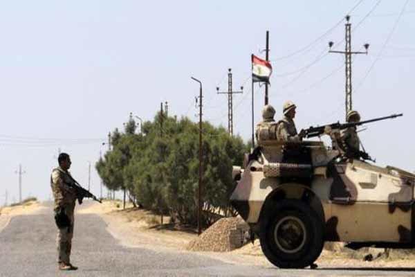ارتش مصر 15 تروریست را در صحرای سینا به قتل رساند