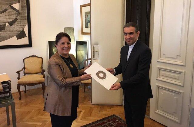 اسماعیلی رونوشت استوارنامه خود را به وزارت امور خارجه کرواسی تقدیم کرد
