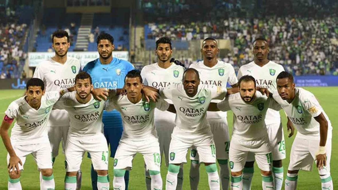 دروازه بان حریف استقلال با چهره ای جدید به فوتبال برگشت