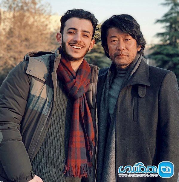 علی خوشحال در کنار بازیگر ژاپنی