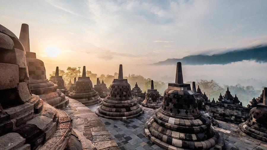 باور می کنید بزرگترین معبد بودایی جهان زمانی زیر جنگل و خاکستر دفن شده بود