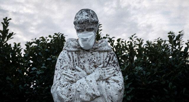 ماسک بر صورت مجسمه ها؛ فرهنگ سازی یا وندالیسم؟