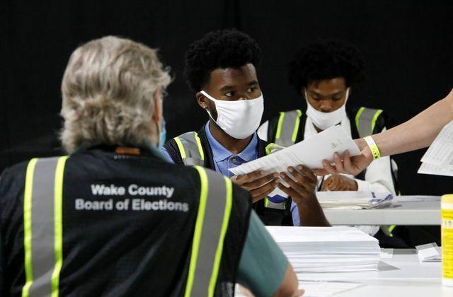 خبرنگاران خانه نشینی سالمندان در بحران کرونا، مراکز اخذ رای آمریکا را جوان تر می نماید